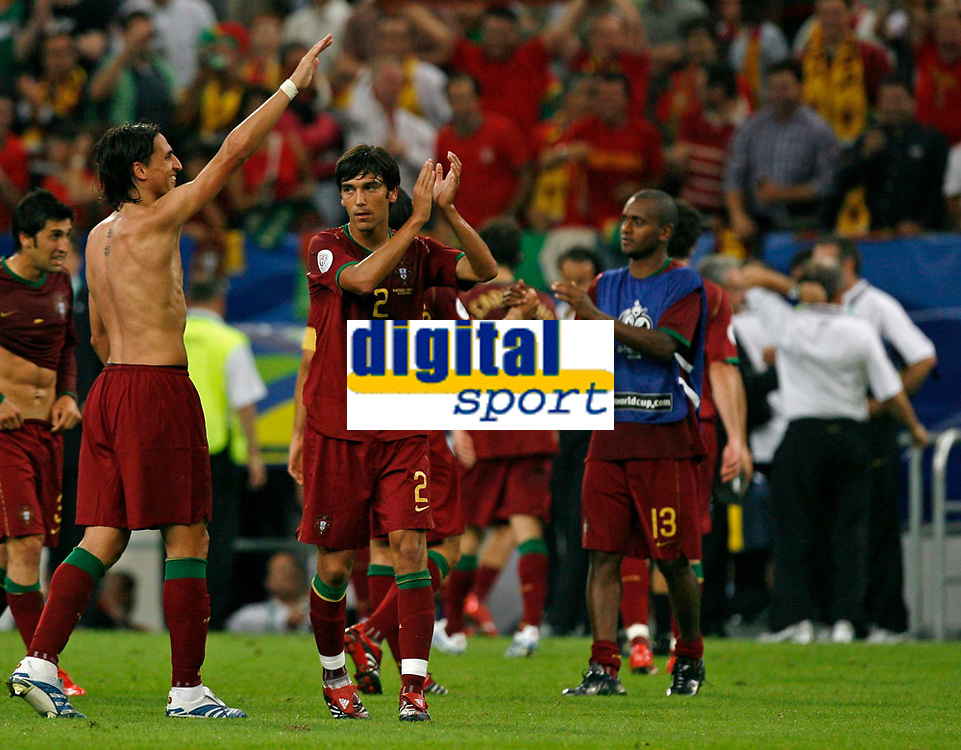 Photo: Glyn Thomas.<br />Portugal v Mexico. FIFA World Cup 2006. 21/06/2006.<br /> Portugal's players celebrate three wins out of three in their group.