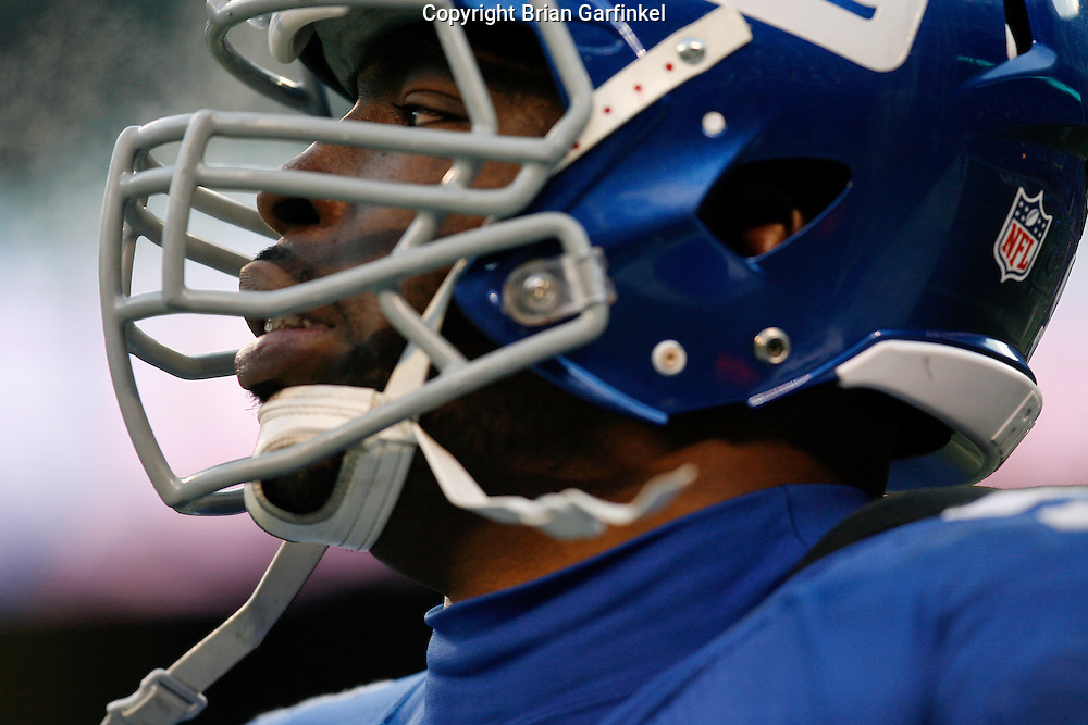 11 Jan 2009: New York Giants defensive end Justin Tuck #91 during the game against the Philadelphia Eagles on January 11th, 2009.  The  Eagles won 23-11 at Giants Stadium in East Rutherford, New Jersey.