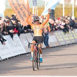 04-11-2018: Wielrennen: EK veldrijden: Rosmalen <br />Ceylin Del Carmen Alvarado (Rotterdam)  pakt de Europese titel bij de vrouwen onder de 23 jaar