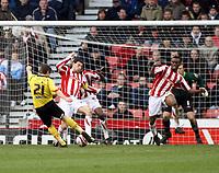 Photo: Mark Stephenson/Sportsbeat Images.<br /> Stoke City v Watford. Coca Cola Championship. 09/12/2007.Watford's Tommy Smith has a shot on goal