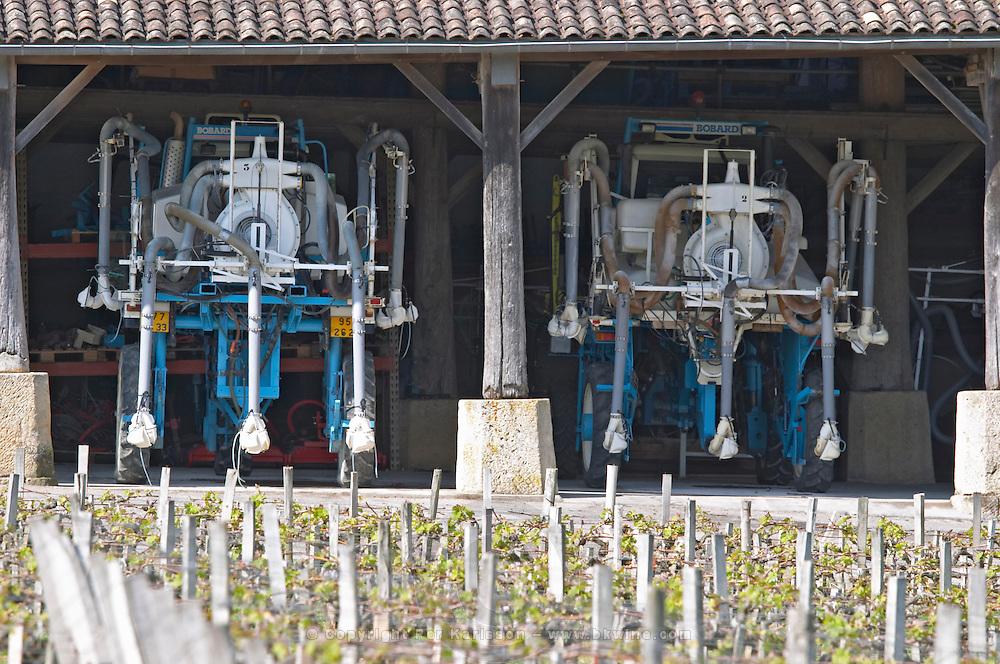tractor garage chateau phelan segur st estephe medoc bordeaux france