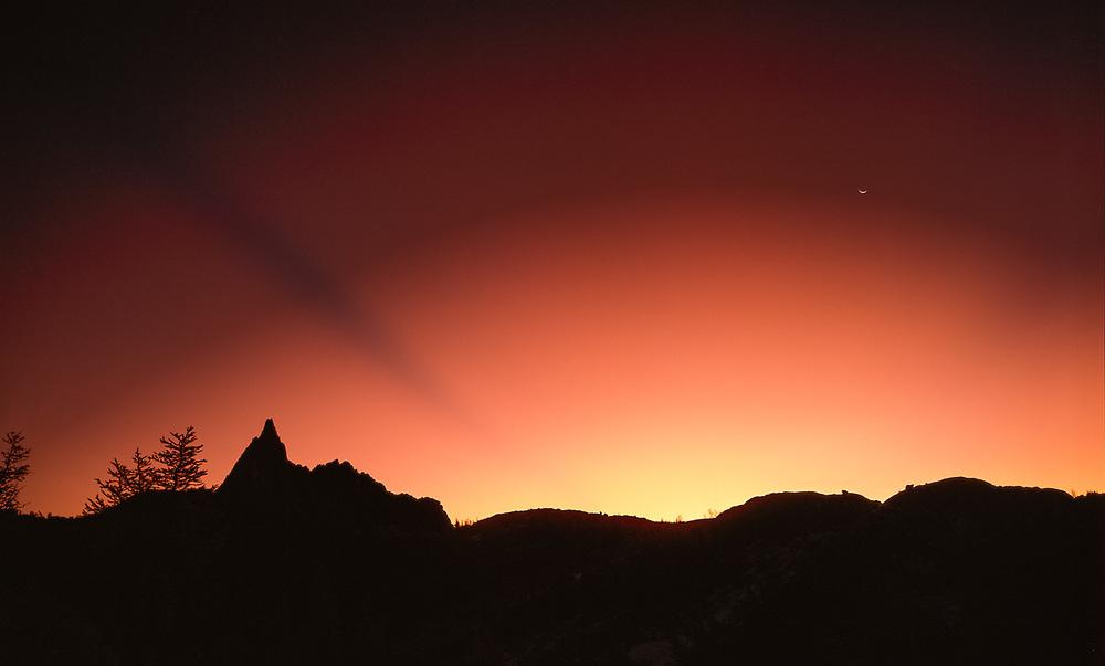 Sunrise, Upper Enchantments, Alpine Lakes Wilderness, Cascade Mountains, Washington, USA