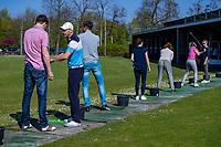 HEEMSKERK - NVG / NGF / Open Golfdagen / Heemskerkse  Golf Club.     kennismaken met golf. driving range, driven' grip,  pro Bob ter Punt .  COPYRIGHT KOEN SUYK