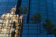New York - The trump tower.  the crown building reflected on the mirror tower.  Manhattan / cinquieme avenue. reflets du Crown building  sur le trump tower  New york - Etats unis