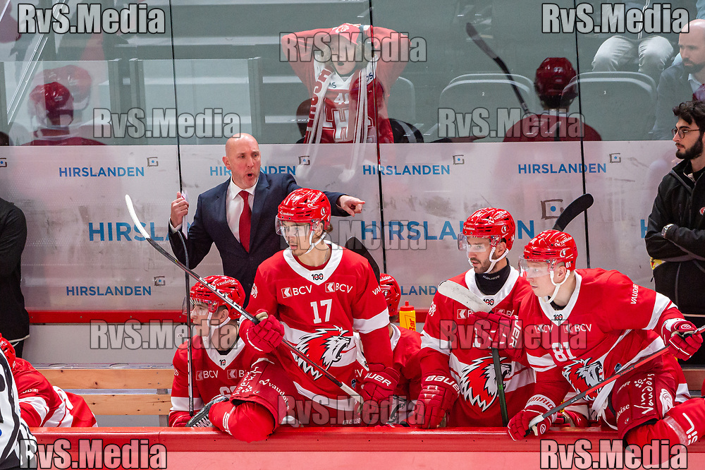 LAUSANNE, SWITZERLAND - SEPTEMBER 24: Head Coach John Fust of Lausanne HC reacts during the Swiss National League game between Lausanne HC and HC Davos at Vaudoise Arena on September 24, 2021 in Lausanne, Switzerland. (Photo by Robert Hradil/RvS.Media)