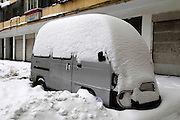 JILIN, CHINA - NOVEMBER 19:  china out - finland out<br /> <br /> Heavy Snow Hits Northeast China<br /> Photo shows a snow-covered van on November 19, 2013 in Harbin, Heilongjiang Province of China. Northeast China has been battling the first blizzard of the winter for a fourth day.<br /> ©Exclusivepix