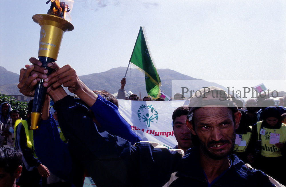 AFGHANISTAN..Kabul, 23 August 2005..Torch run from Darual Aman to Ghazi Stadium