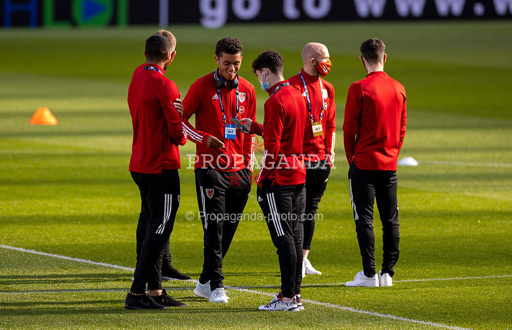 DUBLIN, REPUBLIC OF IRELAND - Sunday, October 11, 2020: Wales' Brennan Johnson and Dylan Levitt on the pitch before the UEFA Nations League Group Stage League B Group 4 match between Republic of Ireland and Wales at the Aviva Stadium. The game ended in a 0-0 draw. (Pic by David Rawcliffe/Propaganda)