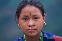 Nepal. Province de Nuwakot. Jeunes filles d'ethnie Tamang. // Nepal. Nuwakot province. Young girl from Tamang ethnie group.