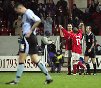 Fotball<br /> England 2004/2005<br /> Foto: SBI/Digitalsport<br /> NORWAY ONLY<br /> <br /> Swindon Town v Hull City<br /> The Coca-Cola Football League one. County Ground.<br /> 20/11/2004<br /> <br /> Swindon's Sam Parkin celebrates scoring the third goal against Hull