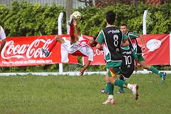 Lance da partida entre as equipes do Liberdade e Sapiranga, válida pela Copa Coca-Cola, no campo do Parque Floresta Imperial, em Novo Hamburgo. FOTO: Lucas Uebel/Preview.com