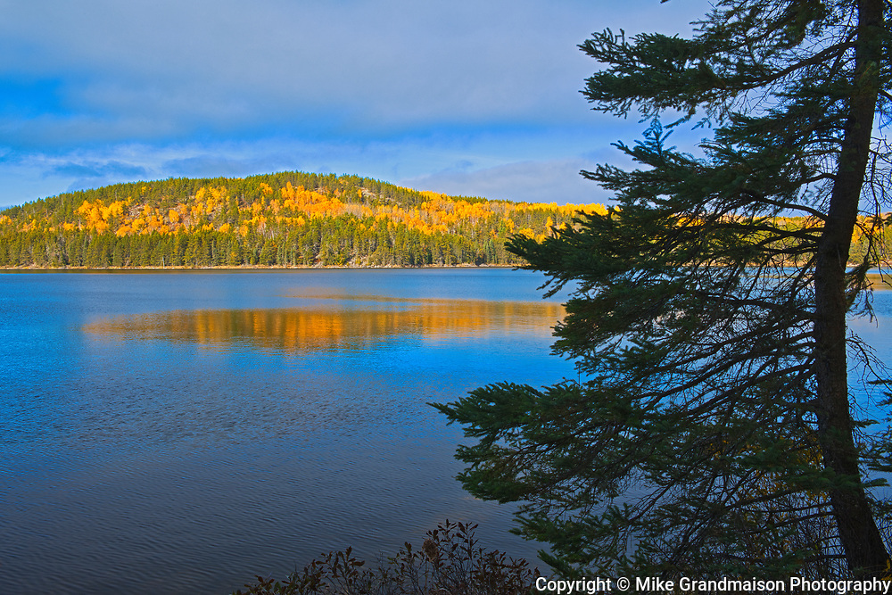 Tower Lake in autumn. Gull Lake Road.<br />Near Kenora<br />Ontario<br />Canada