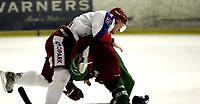 Ishockey<br /> GET-Ligaen<br /> 17.01.08<br /> Askerhallen<br /> Frisk Asker Tigers - Vålerenga VIF <br /> Steffen Thoresen i slåsskamp med Cameron Abbott<br /> Foto - Kasper Wikestad