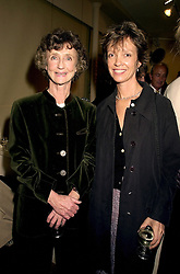 Left to right, the MARCHIONESS OF DUFFERIN & AVA and MISS SABRINA GUINNESS, at an exhibition in London on 31st October 2000.OIN 24