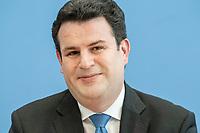 """31 MAR 2020, BERLIN/GERMANY:<br /> Hubertus Heil, SPD, Bundesarbeitsminister,. waehrend einer Pressekonferenz zum Thema """"Zur Lage am deutschen Arbeitsmarkt"""" waehrend der Corona-Krise, Bundespressekonferenz<br /> IMAGE: 20200331-01-044<br /> KEYWORDS: BPK"""