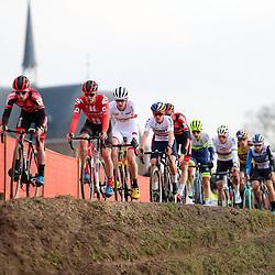 26-01-2020: Wielrennen: Wereldbeker Veldrijden: Hoogerheide <br />het bleef lang bij elkaar