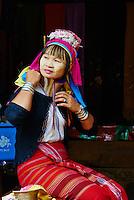 Thailande, Mae Hong Son, femme girafe ou Padaung // Thailand, Mae Hong Son, Long Neck girl, giraffe girl, Padaung girl
