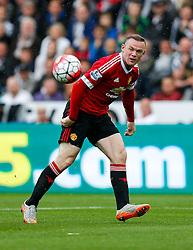 Wayne Rooney of Manchester United shoots - Mandatory byline: Rogan Thomson/JMP - 07966 386802 - 30/08/2015 - FOOTBALL - Liberty Stadium - Swansea, Wales - Swansea City v Manchester United - Barclays Premier League.