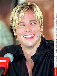 © Chris Wahl/CPABACA. 19331-1. Toronto, 13/09/97. Actor Brad Pitt smiles at a news conference in Toronto Saturday. Brad Pitt stars in Seven Years in Tibet, which had its world premiere at the Toronto International Film Festival .  Pitt Brad Festival du Film de Toronto Toronto Film Festival Toronto International Film Festival TIFF Toronto Film Festival TIFF Toronto International Film Festival Seule Seul Seuls Seules Alone Souriantes Souriants Souriant Souriante Sourires Heureuse Heureux Sourire Smiling Smile Smiles Canada Kanada Toronto Headshot Portraits Portrait Headshots Head Shot Head Shots Vertical Vertical  | 19331_01
