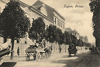 Zagreb : Prilas. <br /> <br /> ImpresumZagreb : Naklada A. Brusine, [između 189- i 1905 godine].<br /> Materijalni opis1 razglednica : tisak ; 8,8 x 13,9 cm.<br /> SuradnikMosinger, Rudolf(1865.–1918.)<br /> NakladnikTiskara A. Brusina<br /> Mjesto izdavanjaZagreb<br /> Vrstavizualna građa • razglednice<br /> ZbirkaGrafička zbirka NSK • Zbirka razglednica<br /> Formatimage/jpeg<br /> PredmetZagreb –– Prilaz Gjure Deželića<br /> SignaturaRZG-DEZ-1<br /> Obuhvat(vremenski)20. stoljeće<br /> NapomenaRazglednica nije putovala. • Poleđina razglednice namijenjena je samo za adresu. • Razglednica je izrađena prema fotografiji R. Mosingera.<br /> PravaJavno dobro<br /> Identifikatori000954671<br /> NBN.HRNBN: urn:nbn:hr:238:611653 <br /> <br /> Izvor: Digitalne zbirke Nacionalne i sveučilišne knjižnice u Zagrebu