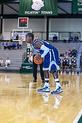 27 December 2010: 2010 State Farm Holiday Basketball Classic,  Hart-Em High School Stags v Bloomington Central Catholic Saints