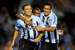 Lóo Gago comemora seu gol na partida entre as equipes do Grêmio e Fortaleza, válida pelas oitavas-de-final da Copa do Brasil, no Estádio Olimpico, em Porto Alegre. FOTO: Jefferson Bernardes/Preview.com