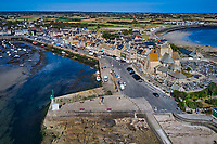France, Manche (50), Cotentin, Barfleur, labellisé Les Plus Beaux Villages de France, port de pêche d'échouage // France, Normandy, Manche department, Cotentin, Barfleur, labeled Les Plus Beaux Villages de France, beaching fishing port
