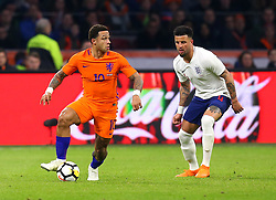 Memphis Depay of Netherlands takes on Kyle Walker of England - Mandatory by-line: Robbie Stephenson/JMP - 23/03/2018 - FOOTBALL - Amsterdam ArenA - Amsterdam,  - Netherlands v England - International Friendly