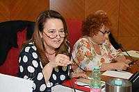 Roma il 12 giugno presso il Parlamentino INAIL,  in via IV Novembre, 144, il Seminario organizzato dalla Cisl per fare il punto sull' applicazione dell' Accordo europeo in materia di salvaguardia e tutela delle lavoratrici e dei lavoratori. I temi della giornata, aperta da Giovanni Luciano, Presidente CIV INAIL e da Gianni Rosas, Direttore ILO Italia, Angelo Colombini , Segretario Confederale CISL. Seguiranno le relazioni di Liliana Ocmin, Responsabile CISL dipartimento politiche migratorie, donne e giovani e coordinamento nazionale donne, sul lavoro congiunto tra dipartimenti e quanto fatto ad oggi e di  Cinzia Frascheri, Giuslavorista, Responsabile naz.le CISL salute e sicurezza sul lavoro che si soffermerà sulle connessioni tematiche tra tutela SSL e violenza sul lavoro. La  Coordinatrice donne  USR-CISL Emilia Romagna Elisa Fiorani parlerà delle attività svolte nel territorio: sportelli ed accordi. Parteciperanno alla tavola rotonda, moderata dalla giornalista Rai,  Alessandra Mancuso,  un Rappresentante del Ministero del Lavoro, Giuseppe Piegari – Dirigente INL, Linda Laura Sabbadini – Direttore Dipartimento Statistiche sociali e ambientali Istat , Ester Rotoli – Direttore Centrale Direzione Prevenzione Inail, Francesca Cipriani - Consigliera Nazionale di Parità. Le conclusioni dell' iniziativa saranno affidate al Segretario Generale Aggiunto della Cisl, Luigi Sbarra.