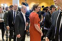 26 OCT 2019, BERLIN/GERMANY:<br /> Olaf Scholz (L), SPD, Bundesfinanzminister, und Klara Geywitz (R), SPD Brandenburg, nach der Bekanntgabe der SPD-Mitgliederbefragung  zur Wahl des neuen Parteivorsitzes, Willy-Brandt-Haus<br /> IMAGE: 20191026-01-064<br /> KEYWORDS: Verkündung, Verkeundung