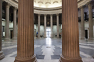 New York, Federal hall in wall street , interior rotunda / Le Federal Hall a wall street