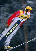 Hopp: 15.12.2001 Engelberg, Schweiz, Weltcup Skispringen Der Norweger Morten Solem beim Weltcupspringen im Schweizerischen Engelberg. <br /><br />Foto: Andy Müller, Digitalsport