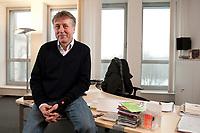 19 JAN 2010, BERLIN/GERMANY:<br /> Hartwig Masuch, Geschaeftsfuehrer BMG Rights Management, in seinem Buero, BMG Rights Management<br /> IMAGE: 20100119-01-005