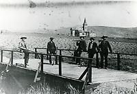 1889 Hunters on bridge at Los Feliz and Berendo