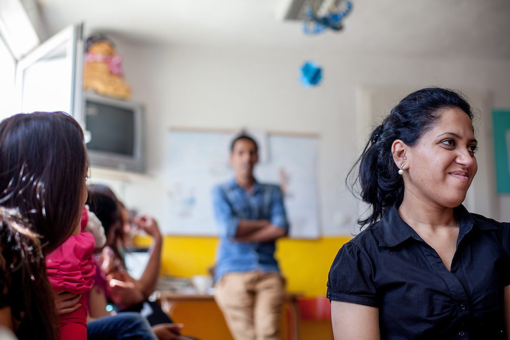 """Participants of Romina Kajtazova's workshop (community event) about """"Patients rights"""" for the Roma community at the local kindergarten in the city of Crnik."""