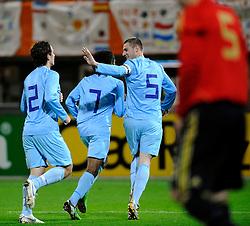 17-11-2009 VOETBAL: JONG ORANJE - JONG SPANJE: ROTTERDAM<br /> Nederland wint met 2-1 van Spanje / Georginio Wijnaldum scoort de 2-0 en viert dit met Erik Pieters en Daryl Janmaat<br /> ©2009-WWW.FOTOHOOGENDOORN.NL