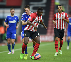 Southampton's Victor Wanyama wins the ball from Ipswich Town's Darren Ambrose - Photo mandatory by-line: Paul Knight/JMP - Mobile: 07966 386802 - 04/01/2015 - SPORT - Football - Southampton - St Mary's Stadium - Southampton v Ipswich Town - FA Cup Third Round