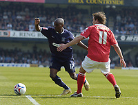 Photo: Olly Greenwood.<br />Southend United v Barnsley. Coca Cola Championship. 14/04/2007. SOuthend's Jamal Campbell-Ryce and Barnsley's Brian Howard