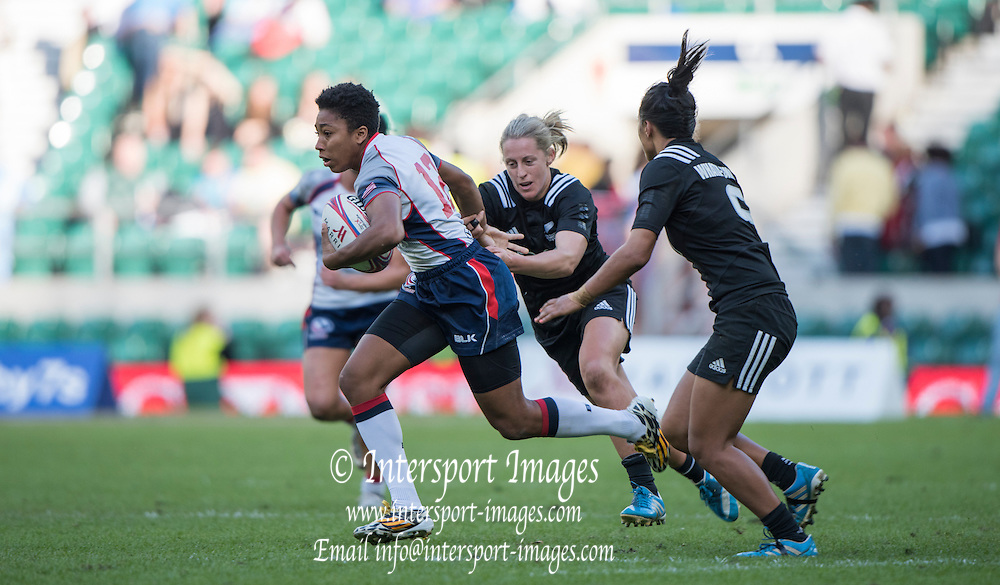 Twickenham, Great Britain,  USA's, Kristen THOMAS running throug to the try line during the  3/4th place match, NZL vs USA. at the Marriott London Sevens played at the  RFU Stadium, Twickenham, ENGLAND. Saturday 16.05.2015<br /> [Mandatory Credit; Peter Spurrier/Intersport-images]