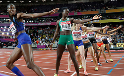 LONDON, Aug. 14, 2017  Shakima Wimbley (1st, L) of Team United States compete during Women's 4X400 Relay Final on Day 10 of the 2017 IAAF World Championships at London Stadium in London, Britain, on Aug. 13, 2017. Team United States claimed the title with 3 minutes 19.02 seconds. (Credit Image: © Wang Lili/Xinhua via ZUMA Wire)