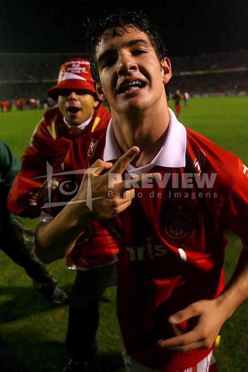 Alexandre Pato comemora o título da Recopa Sul-Americana 2007 sobre da  Pachuca do México no estádio Beira Rio, em Porto Alegre 07 de junho de 2007. FOTO: Jefferson Bernardes/Preview.com