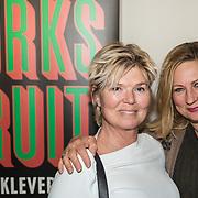 NLD/Amsterdam/20190224 - inloop toneelstuk Turks Fruit, Ella van Drump en  Carina Cruzen