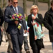 NLD/Amsterdam/20060425 - Uitvaart Sylvia de Leur, Familie Krabbe, Jeroen en Herma