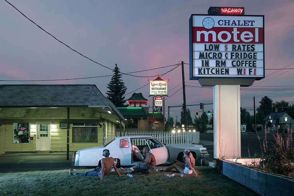 USA, Oregon, Bend, American Dreamscapes Chalet Motel II