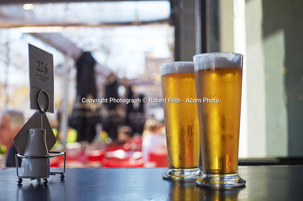 Beers at the Windsor Hotel in South Perth, Mends St Precinct