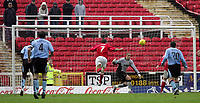 Fotball<br /> England 2004/2005<br /> Foto: SBI/Digitalsport<br /> NORWAY ONLY<br /> <br /> Swindon Town v Hull City<br /> The Coca-Cola Football League one. County Ground.<br /> 20/11/2004<br /> <br /> Swindon's Sam Parkin scores his goal against Hull