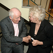 NLD/Amsterdam/20061001 - Uitreiking Blijvend Applaus prijs 2006, John Kraaykamp Sr. en Adele Bloemendaal