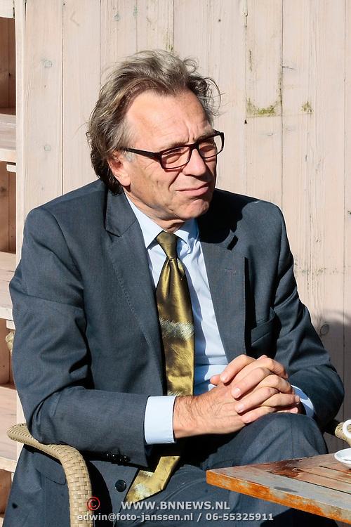 NLD/Staverden/20121004- Huwelijk schaatsster Marianne Timmer met voetbalkeeper Henk Timmer, columnist en oud voetballer Jan Mulder