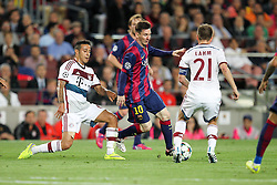 06.05.2015, Camp Nou, Barcelona, ESP, UEFA CL, FC Barcelona vs FC Bayern Muenchen, Halbfinale, Hinspiel, im Bild l-r: im Zweikampf, Aktion, mit Thiago Alcantara #6 (FC Bayern Muenchen), Lionel Messi #10 (FC Barcelona) und Philipp Lahm #21 (FC Bayern Muenchen) // during the UEFA Champions League semi finals 1st Leg match between FC Barcelona and FC Bayern Munich at the Camp Nou in Barcelona, Spain on 2015/05/06. EXPA Pictures © 2015, PhotoCredit: EXPA/ Eibner-Pressefoto/ Kolbert<br /> <br /> *****ATTENTION - OUT of GER*****