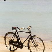 THA/Koh Samui/20160804 - Vakantie Thailand 2016 Koh Samui, fiets op het strand van Bang Po